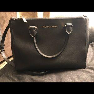Black Michael Kors handbag - very good condition!